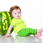 Арбуз детям с какого возраста можно давать: мнения специалистов