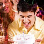 Что подарить парню на 18-летие на день рождения: от девушки, от родителей